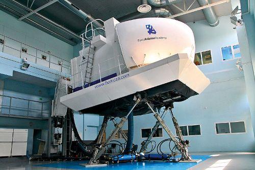 Moderne Flugsimulatoren haben erst die umfangreichen CRM-Forschungen ermöglicht und bieten werden jetzt für praxisorientiertes CRM Training eingesetzt