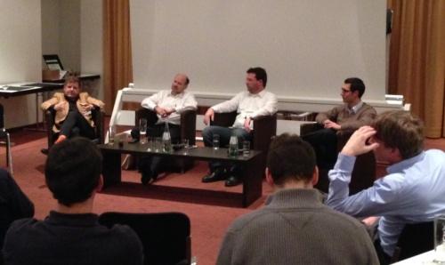 Das Expert Panel bei der Embedded Meets Agile, von links nach rechts: Boris Gloger, Joachim Baumann, Joachim Pfeffer, Florian Mecoch